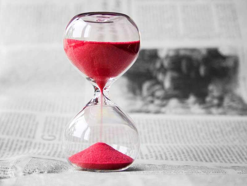 Homeoffice - Zeitung und Zeit vergeht anders